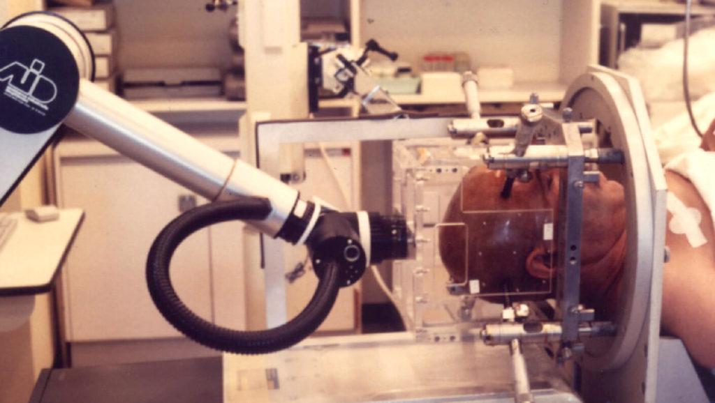Premier robot chirurgical français développé pour la neurochirurgie stéréotaxique